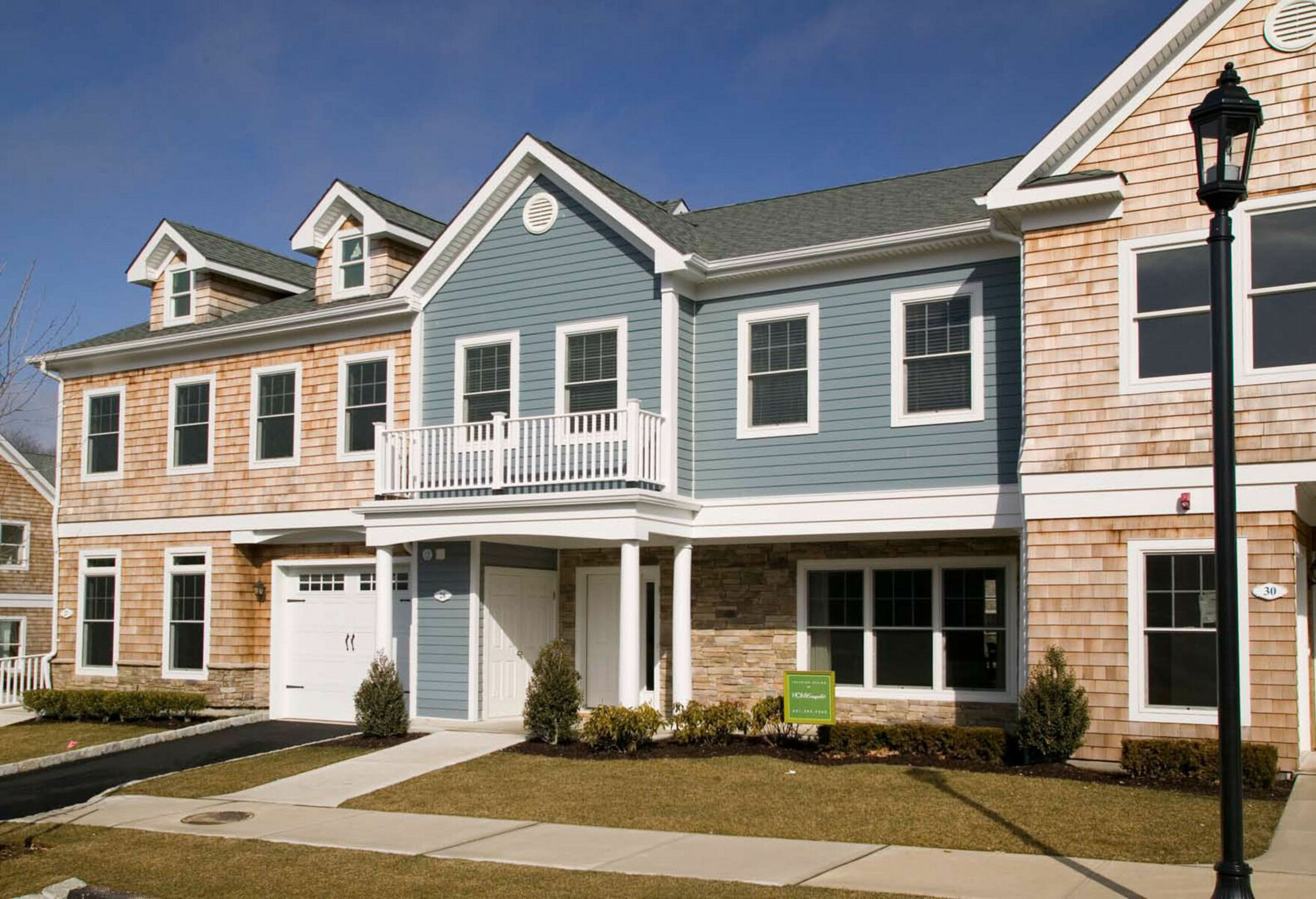 28 Andrew Ct (the Ctyards) - Southampton North, New York