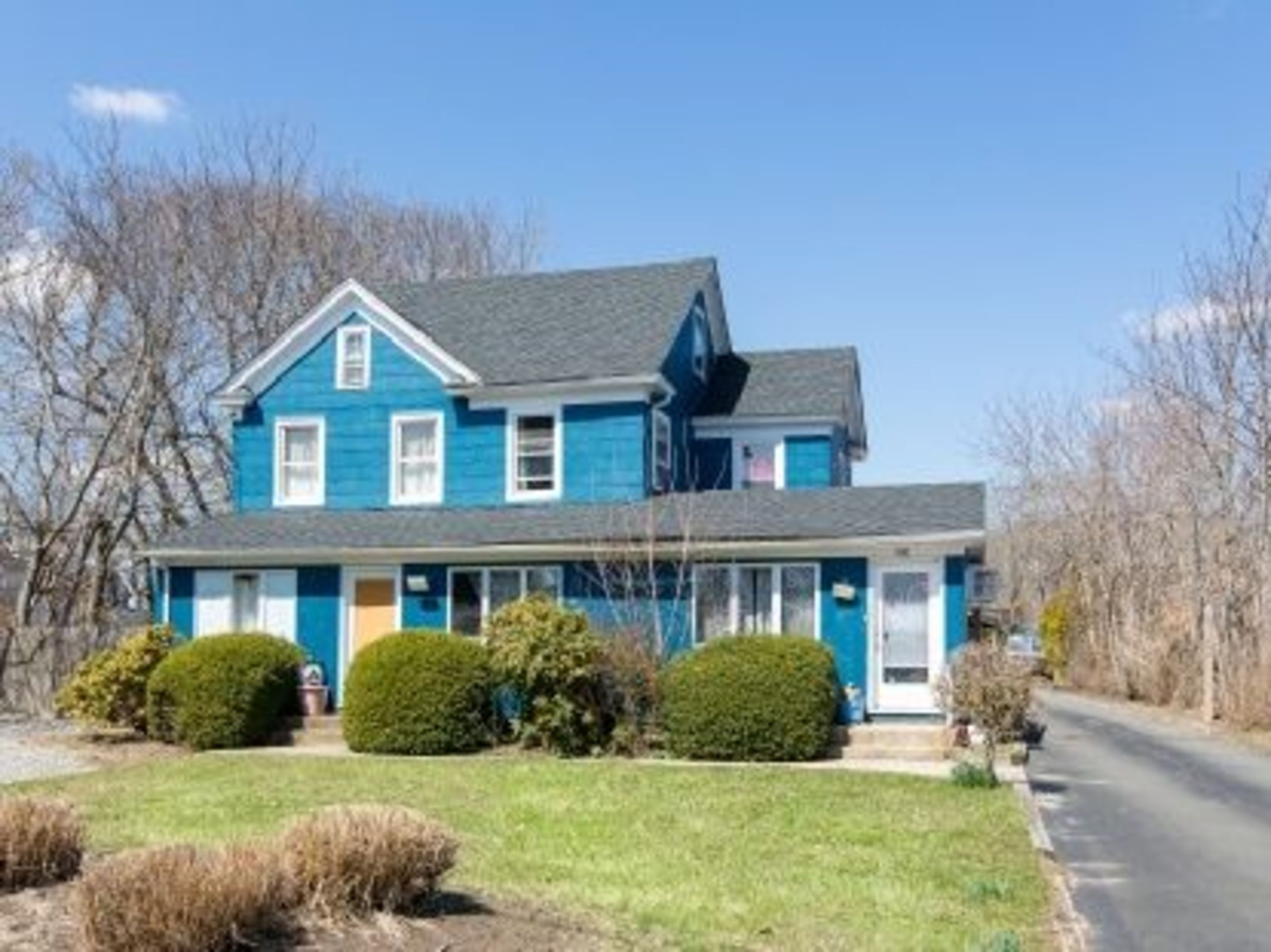 680 Montauk Hwy - East Quogue, New York