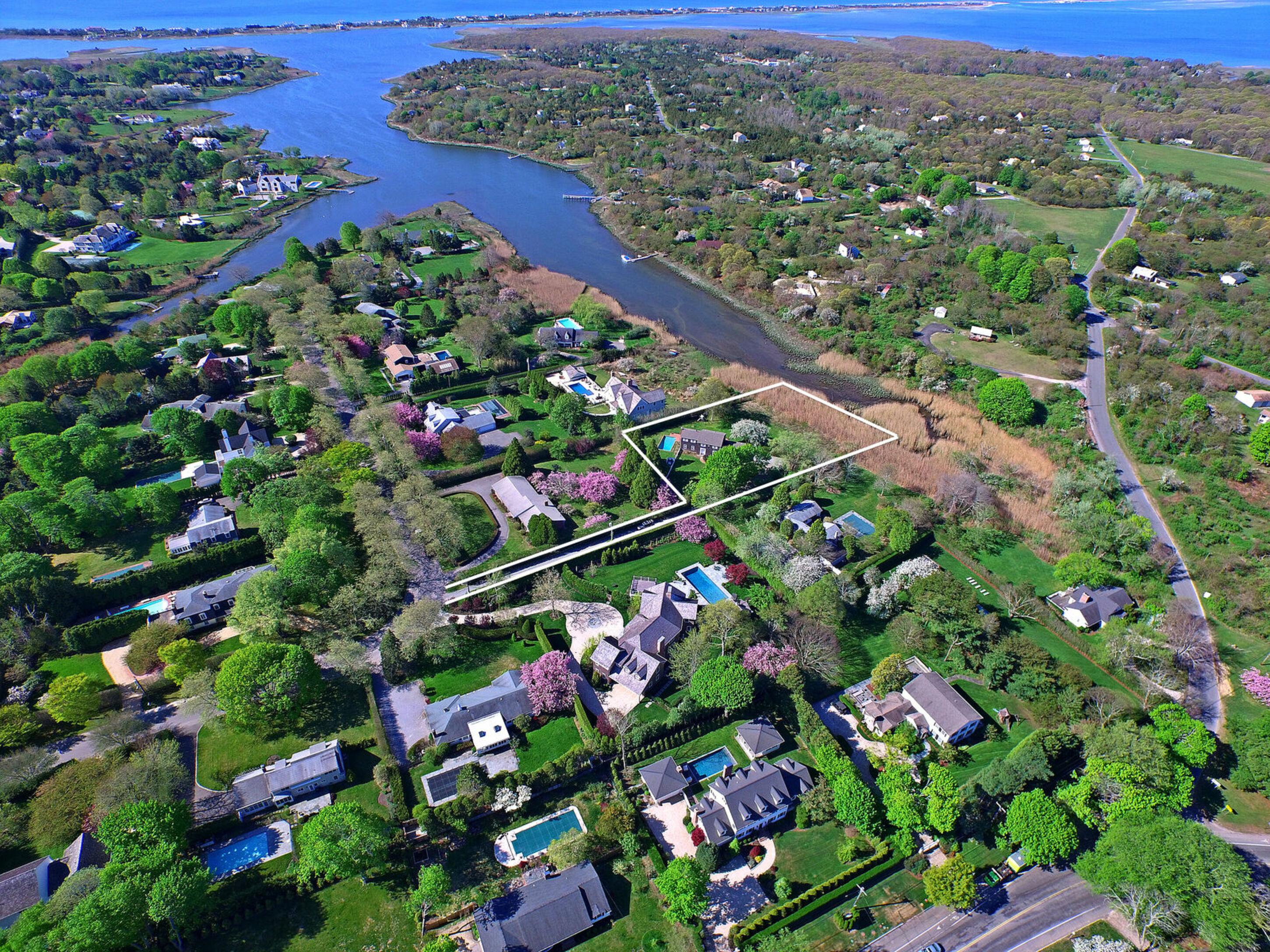 77 Heady Creek Ln - Southampton Village, New York