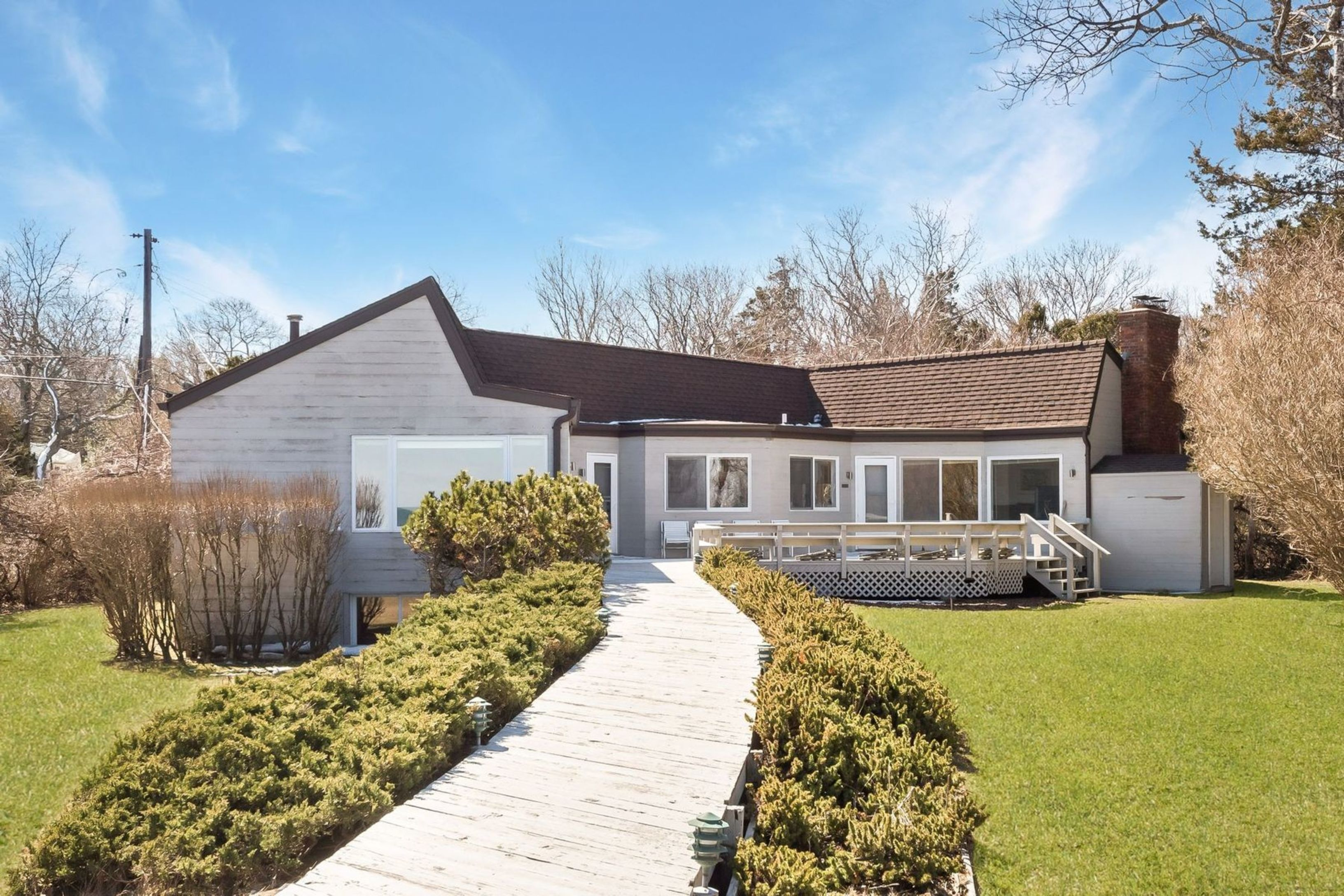 53 Milina Dr - East Hampton NW, New York
