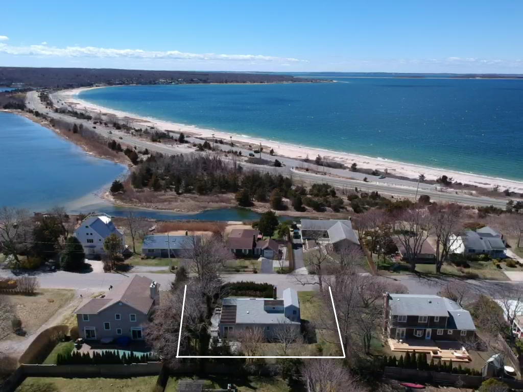 54 Cliff Dr - Sag Harbor, New York