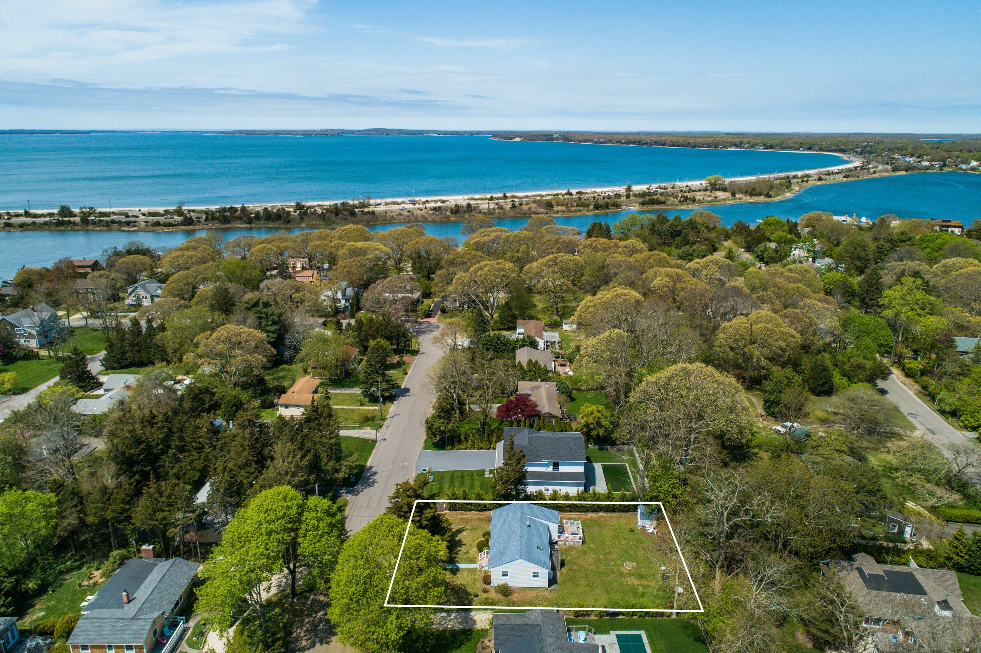 24 Parkway Dr - Sag Harbor, New York