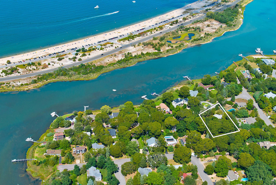 Desktop listing card 72 20crescent 20sag 20harbor 20aerial 20web