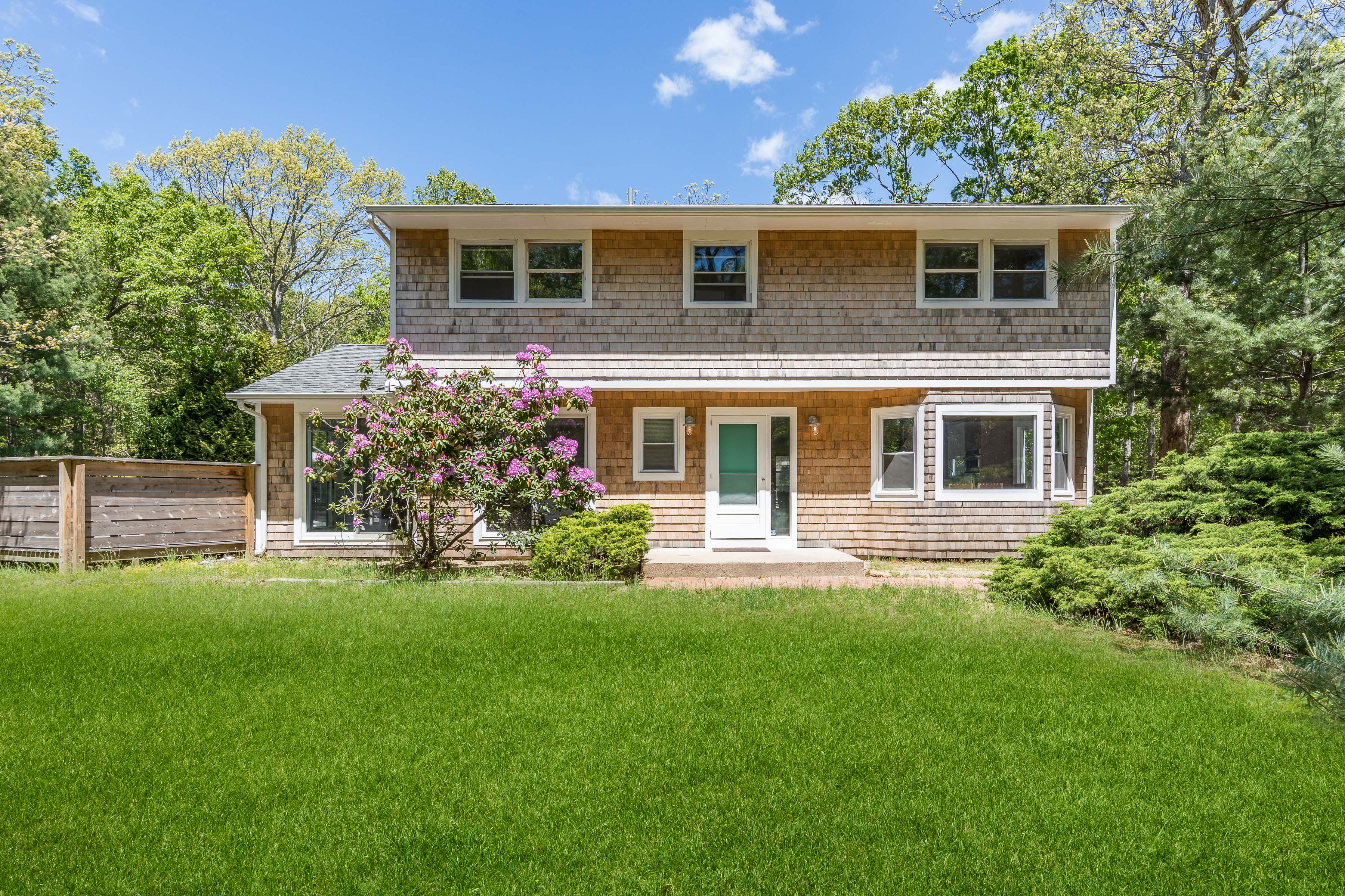 44 Woodpink Dr - East Hampton NW, New York