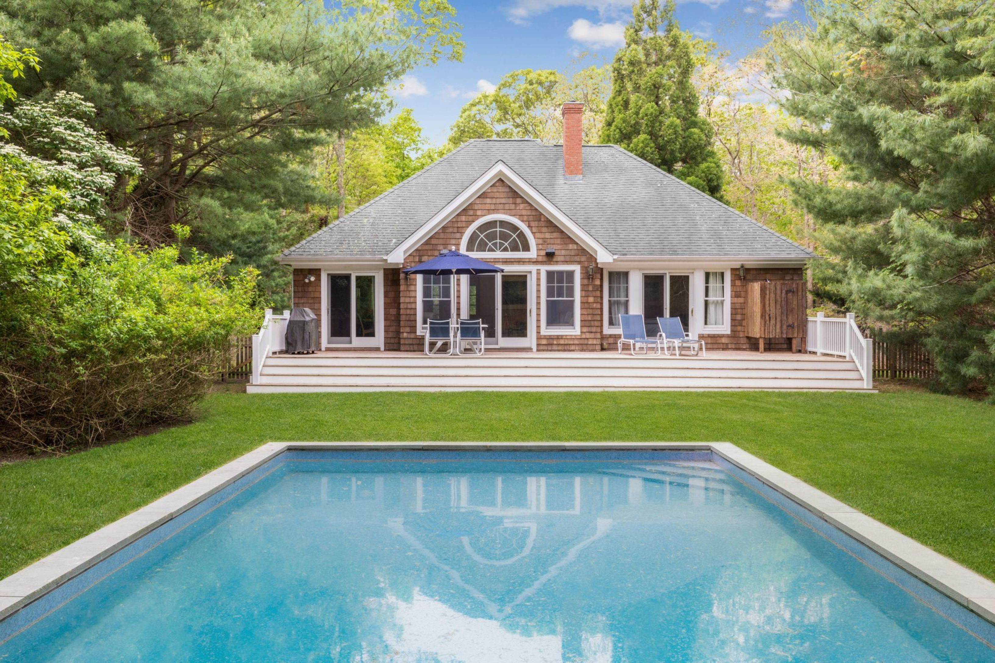 42 Sycamore Dr - East Hampton Springs, New York