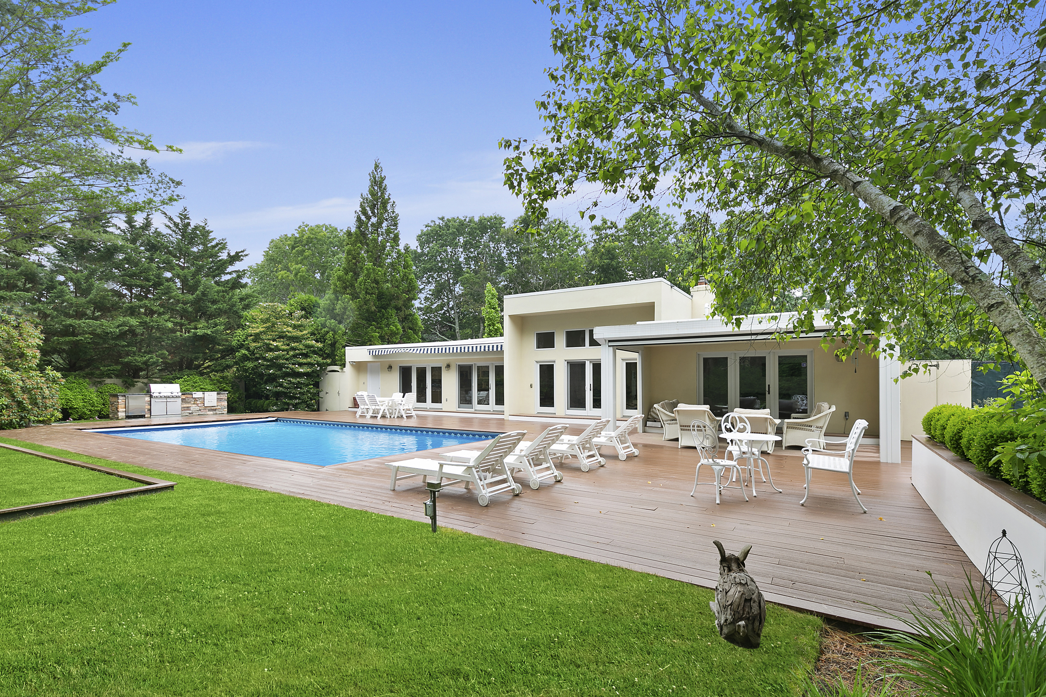 10 Whippoorwill Ct - East Quogue, New York