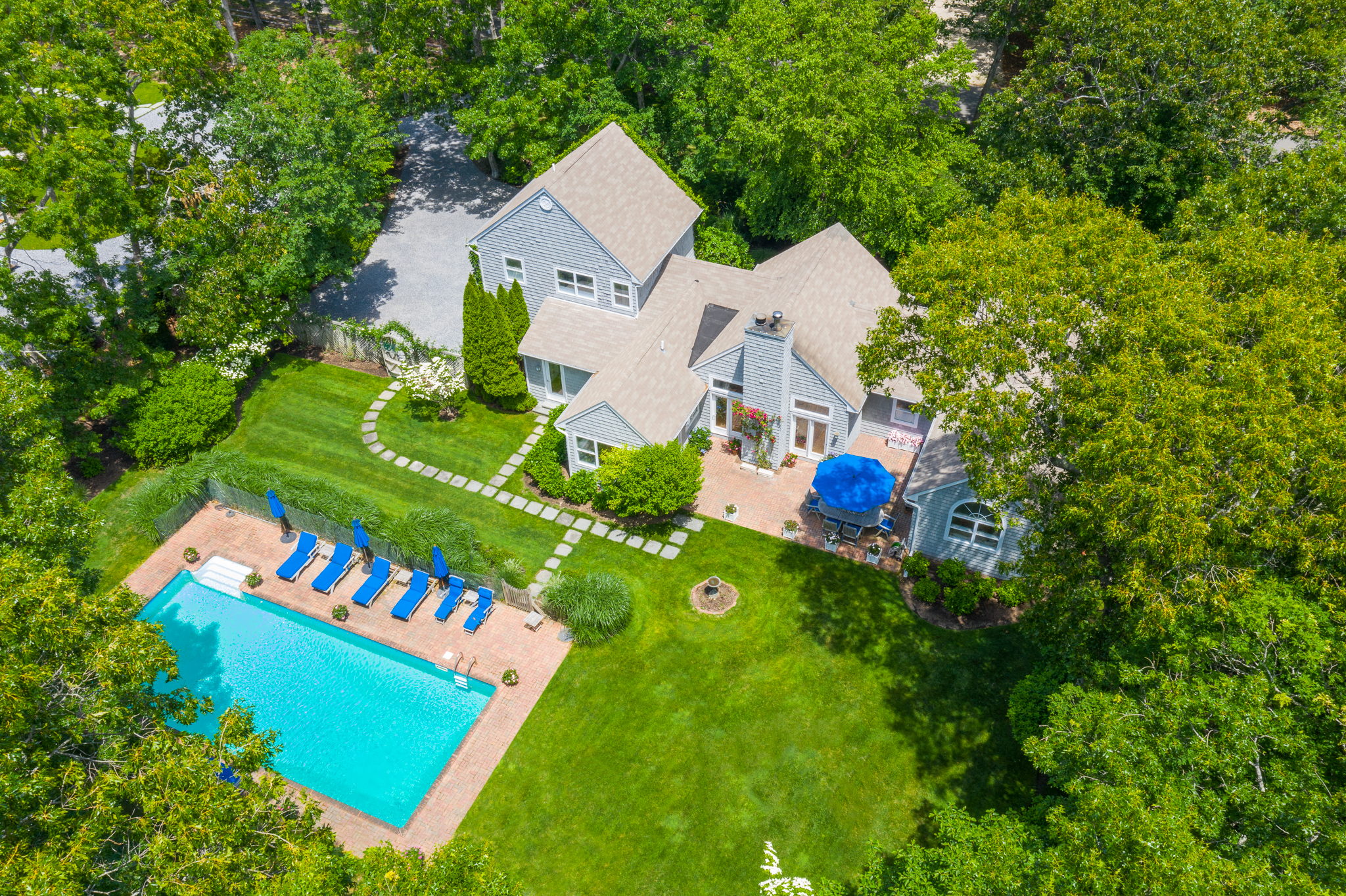 42 Briarcroft Dr - East Hampton Springs, New York
