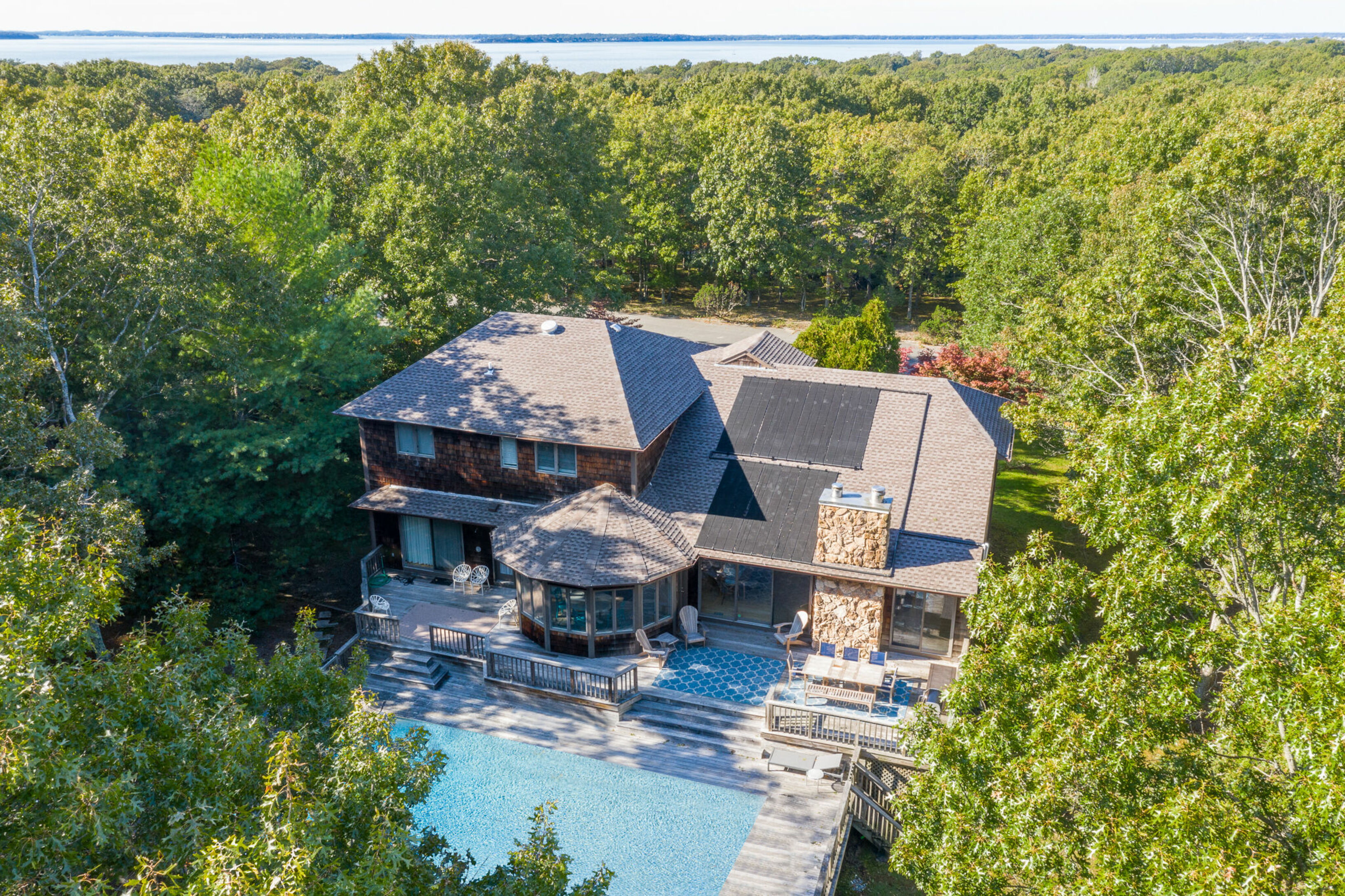 20 Forrest Dr - Southampton North, New York