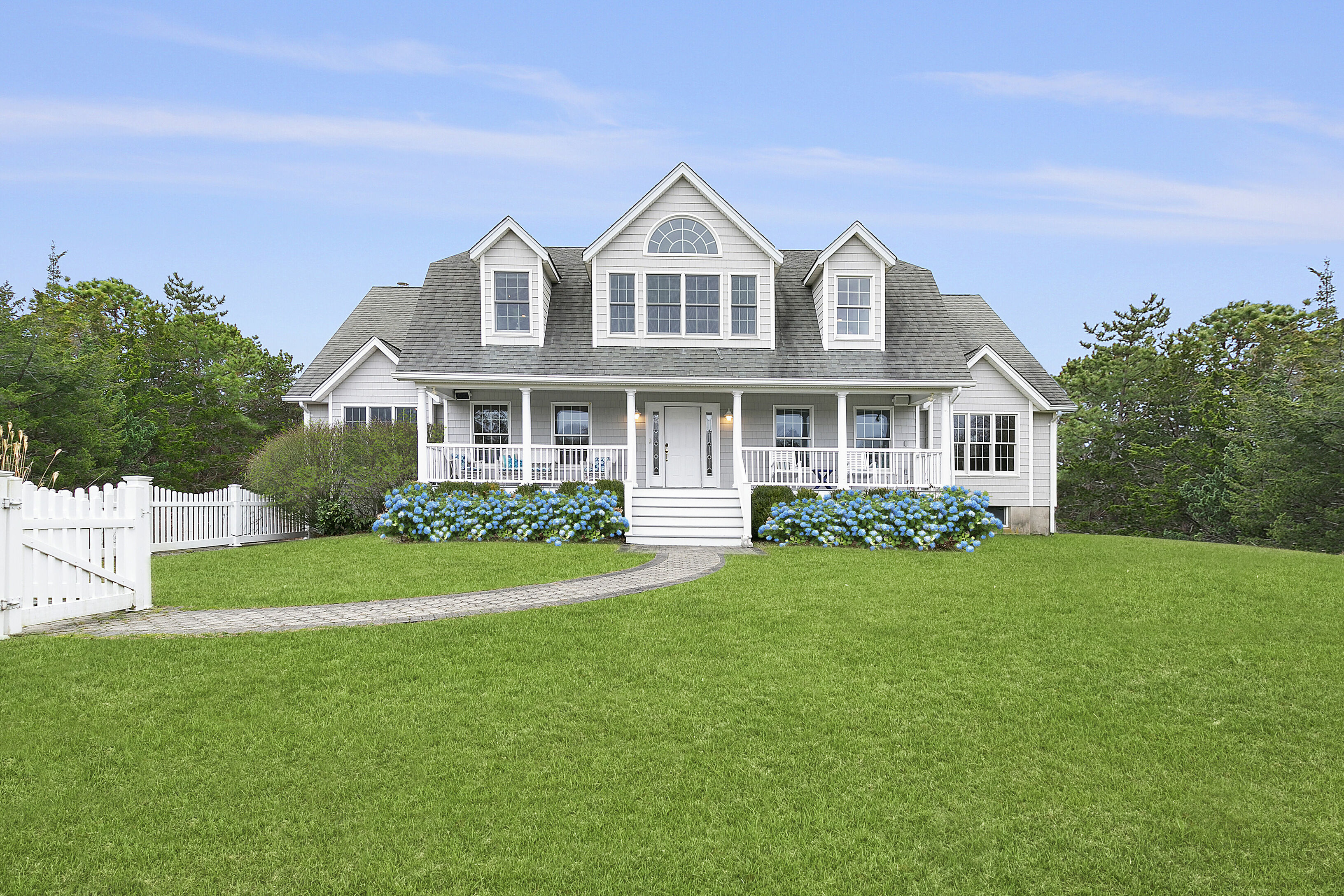 6 Bay Meadow Ln - Westhampton South, New York