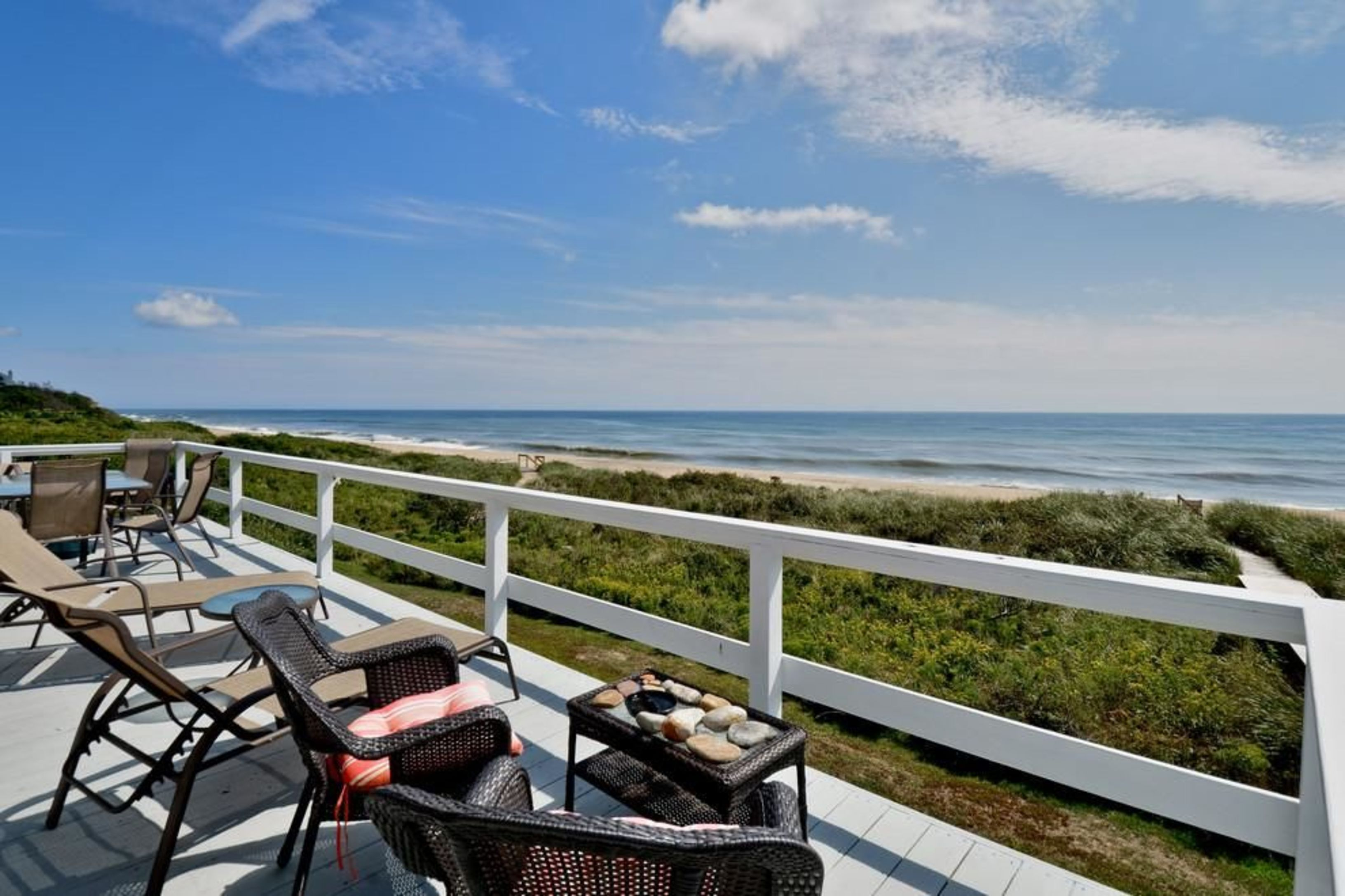 Oceanfront With Pool Close to Town