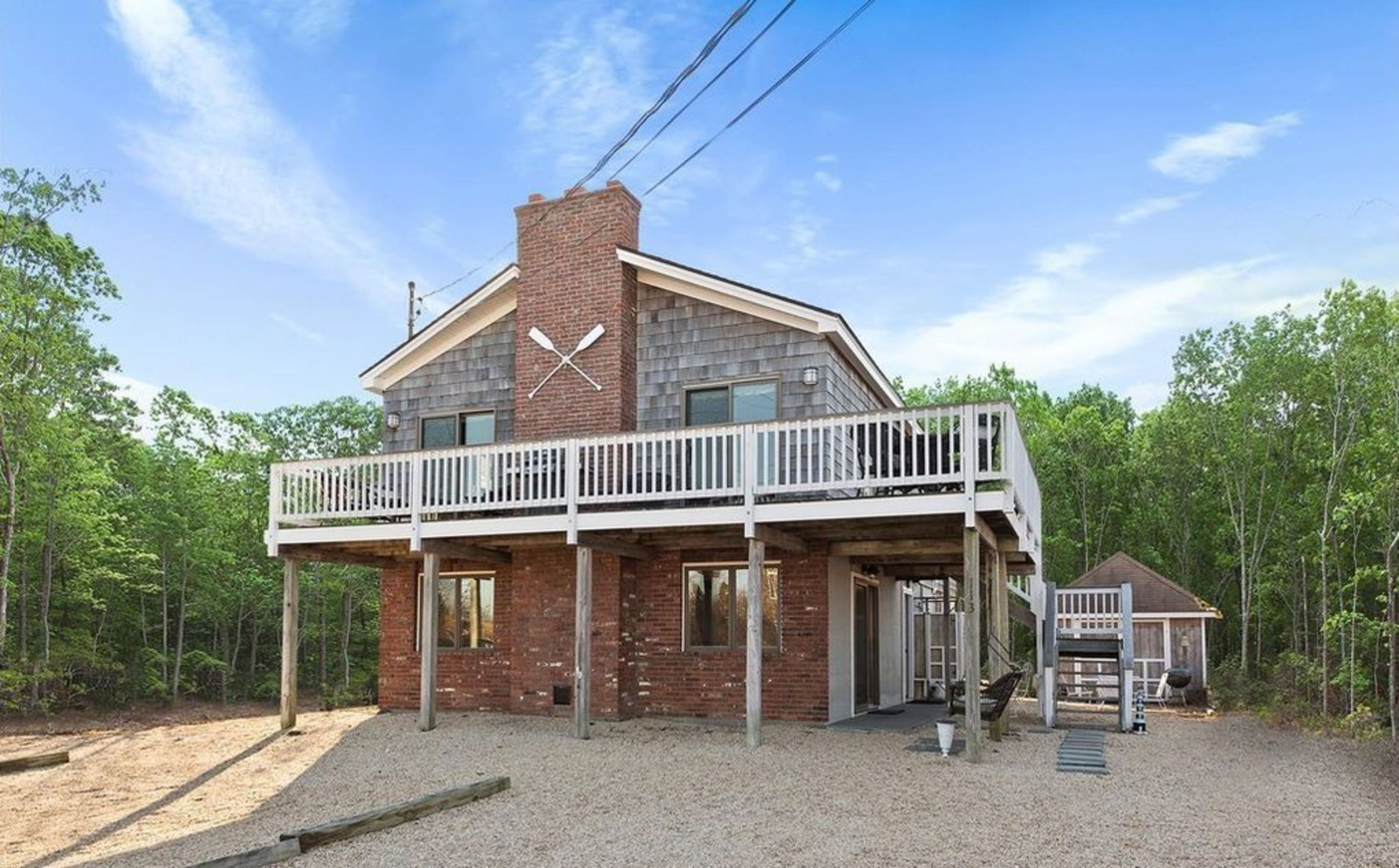 Located in Culloden With Private Bay Beach Rights