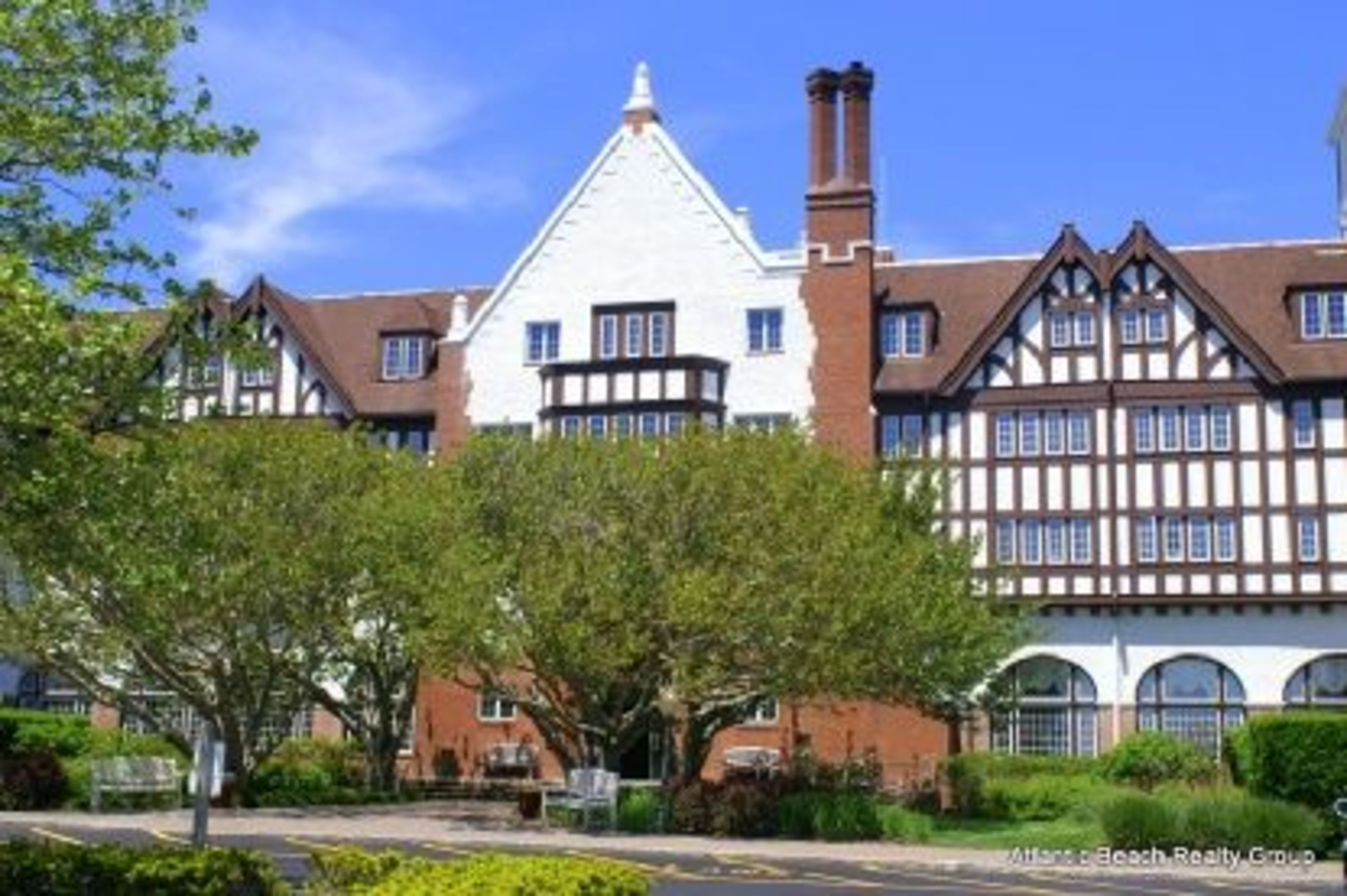 Manor Retreat