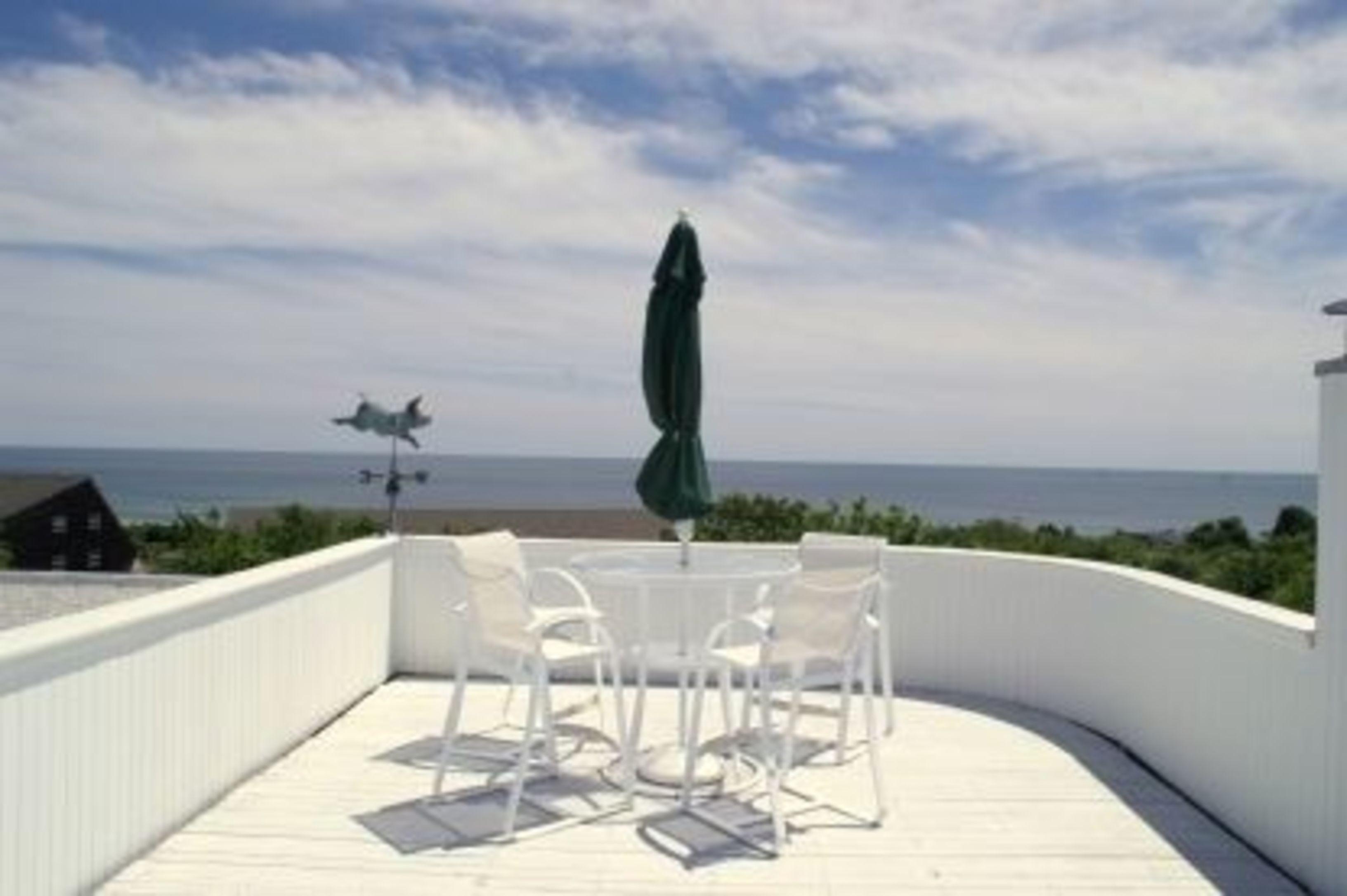 Ocean View Contemporary – Path to Ocean