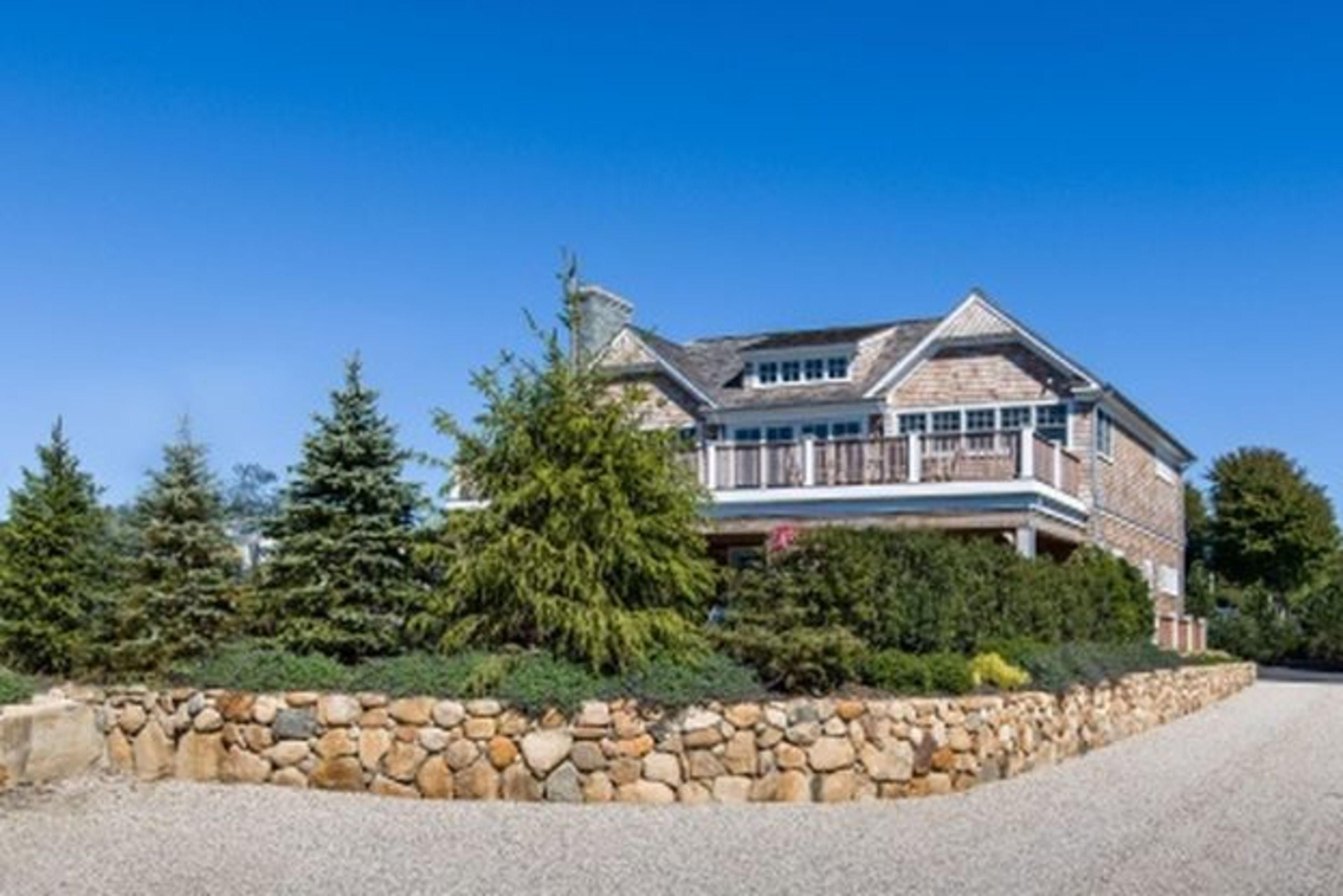 Beautiful New Construction With Lake View and Pool.
