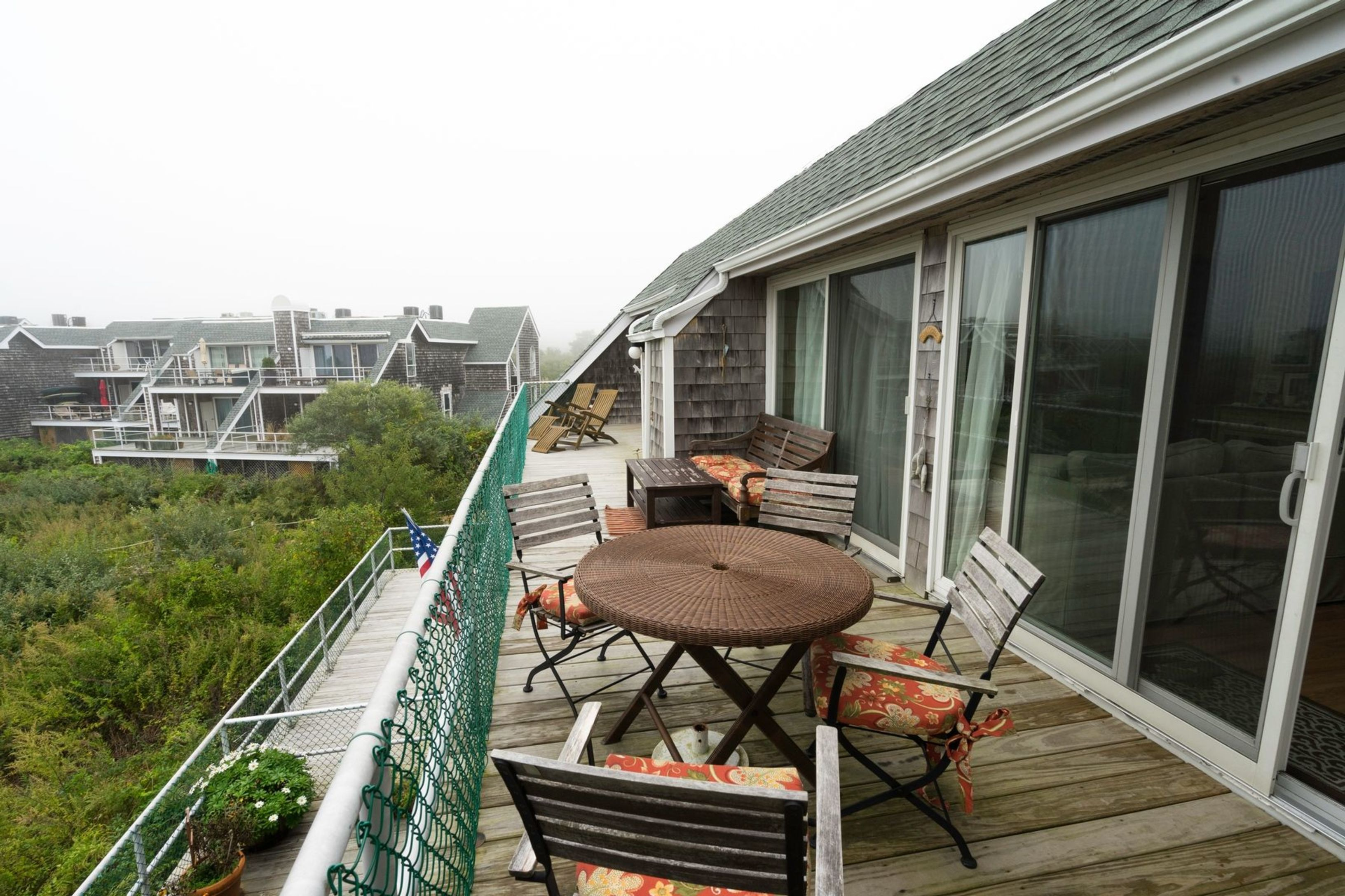 Waterfront Condo With Pool and Tennis