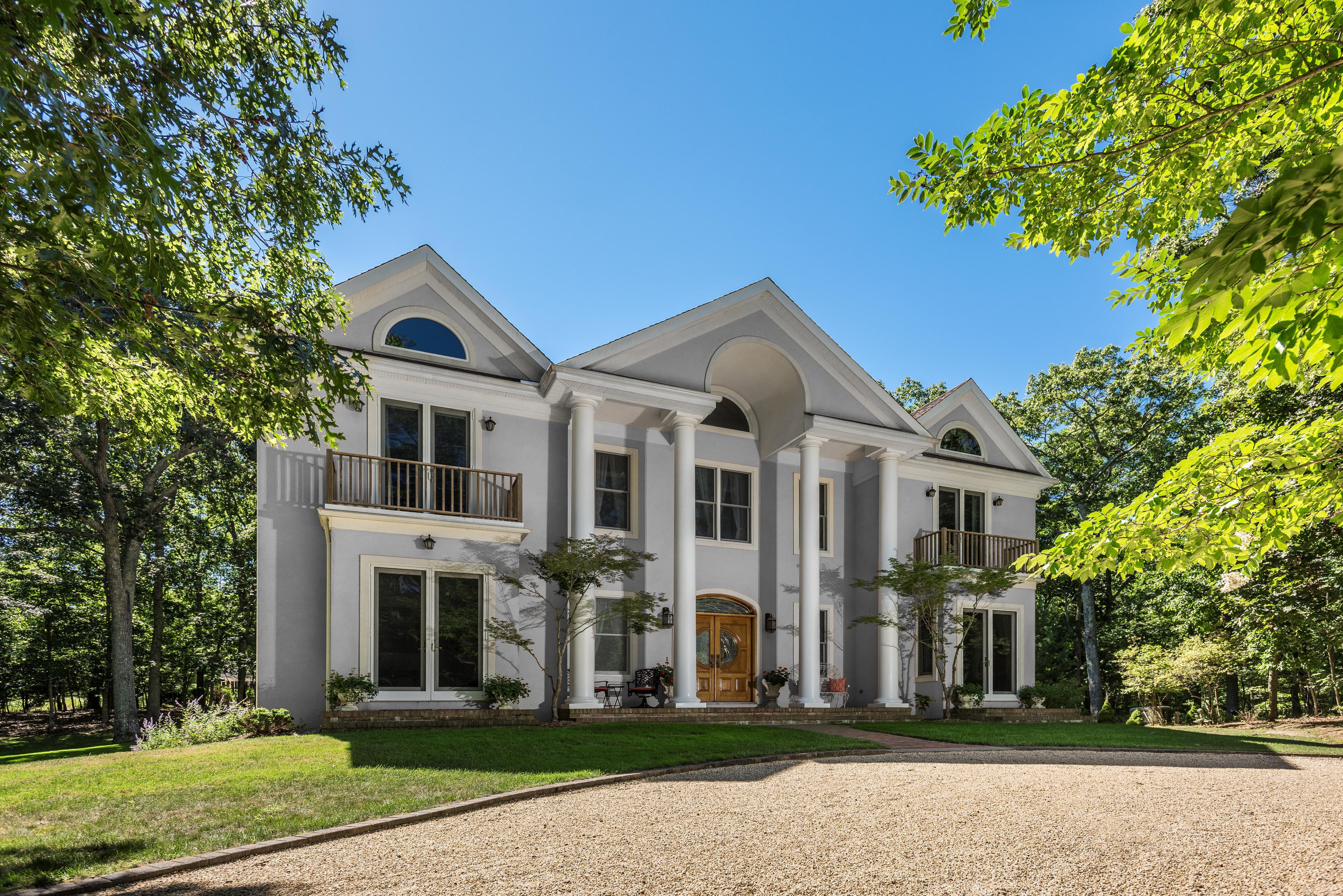 Paradise housefront newpaint